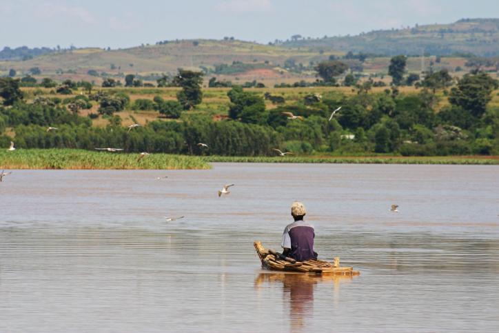 Mann auf einem Boot, Lake Tana Äthiopien